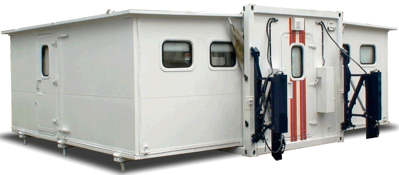 Command vehicle with a container-type body of variable capacity (canteen)